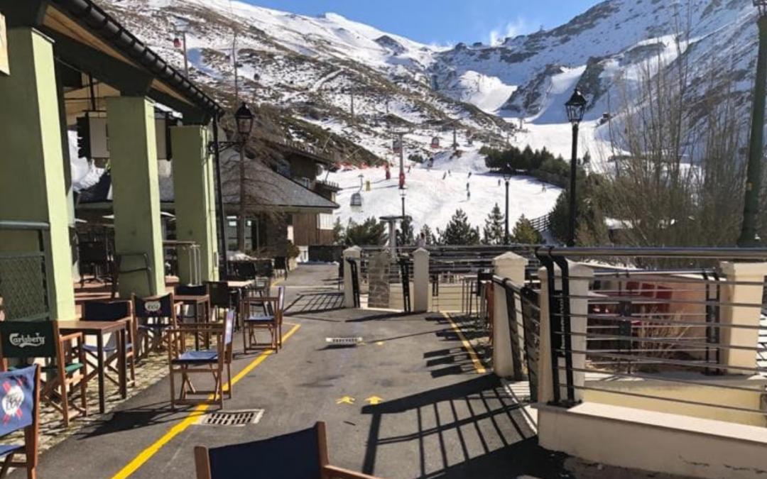 El Ayuntamiento de Monachil optimiza y hace más seguros frente al Covid-19 los espacios de la estación de esquí de Sierra Nevada con la ayuda de InnovaSur