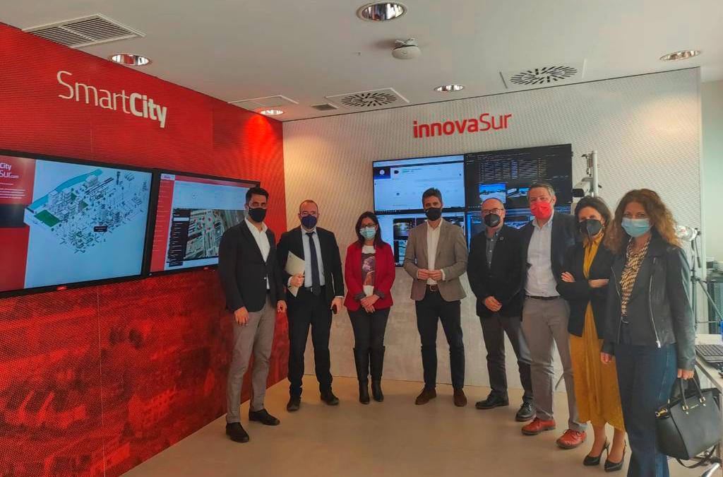 El director general de Clúster Smart City visita las instalaciones de InnovaSur en el Parque Científico-Tecnológico de Jaén y su piloto de ciudad inteligente