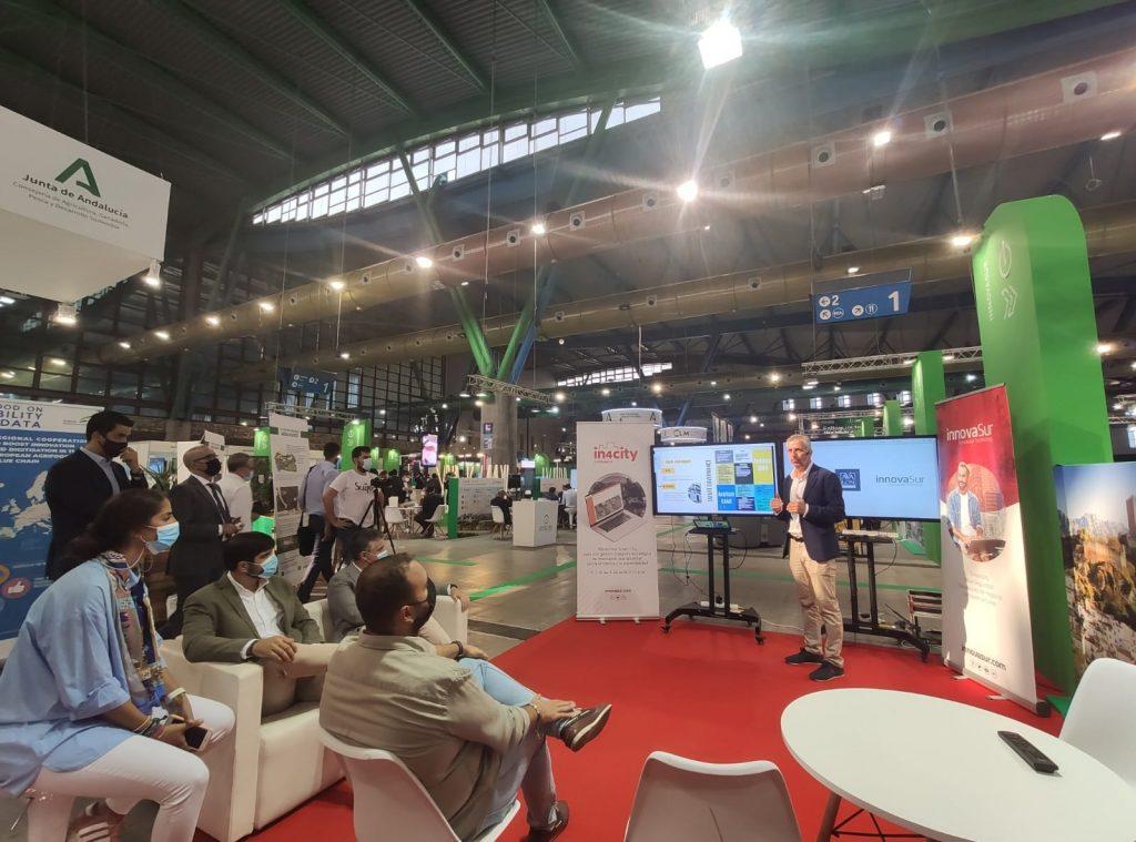 El Ayuntamiento de Mairena del Alcor presenta su Plan Smart City en el stand de InnovaSur del Foro Greencities de Málaga